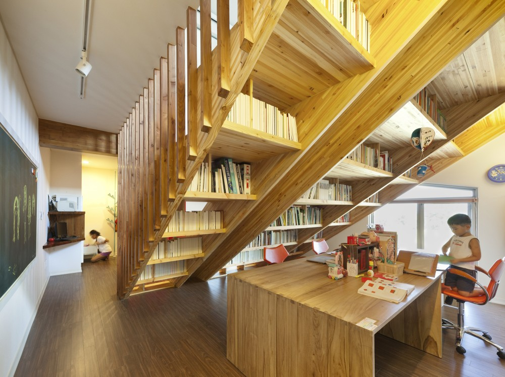 5163a60fb3fc4bc5260002f1_panorama-house-moon-hoon_dwell_ph_201208_015-1000x746