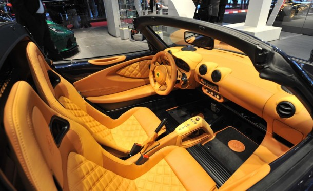 Lotus-Exige-S-Roadster-interior