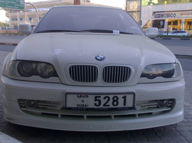 abandoned cars in dubai-2