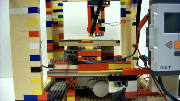 LEGObot 4