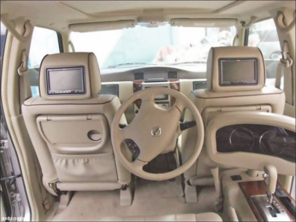 Dubai Never Fails to Surprise – Customized Car 2