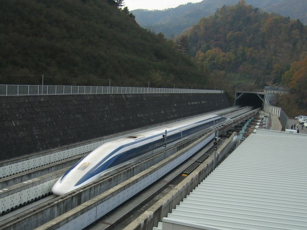 Japan's MagLev Train is Fast, Very Fast-2