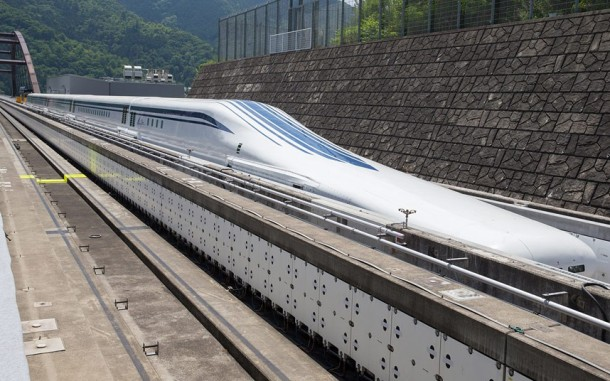 Japan's MagLev Train is Fast, Very Fast-3