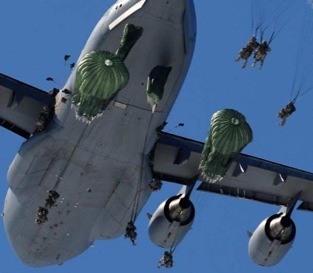 C-17 Globemaster 4