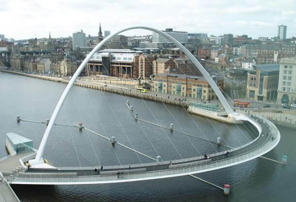 Engineering at Its Best - The Gateshead Millennium Bridge 2