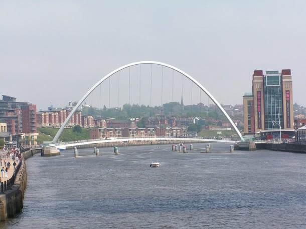 Engineering at Its Best - The Gateshead Millennium Bridge 3