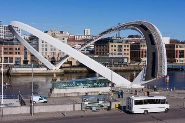 Engineering at Its Best - The Gateshead Millennium Bridge 4