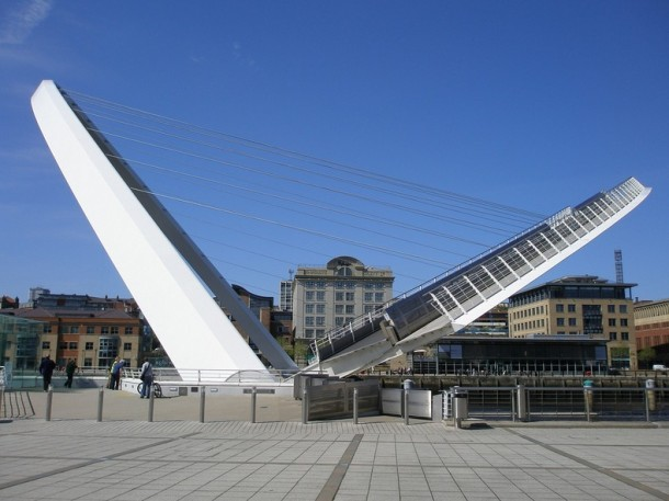 Engineering at Its Best - The Gateshead Millennium Bridge 5