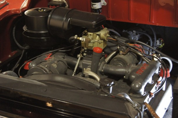Muscle car engine 02