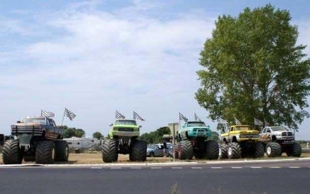 monster trucks_0