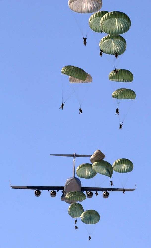 transport aircraft 563