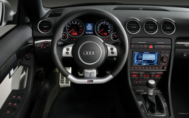 Audi_RS4_wallpaper_1920x1200