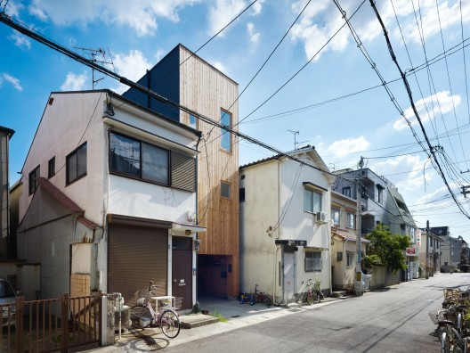 Narrow House in Nada, Japan