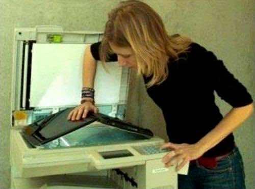 doing-it-wrong-scan-laptop