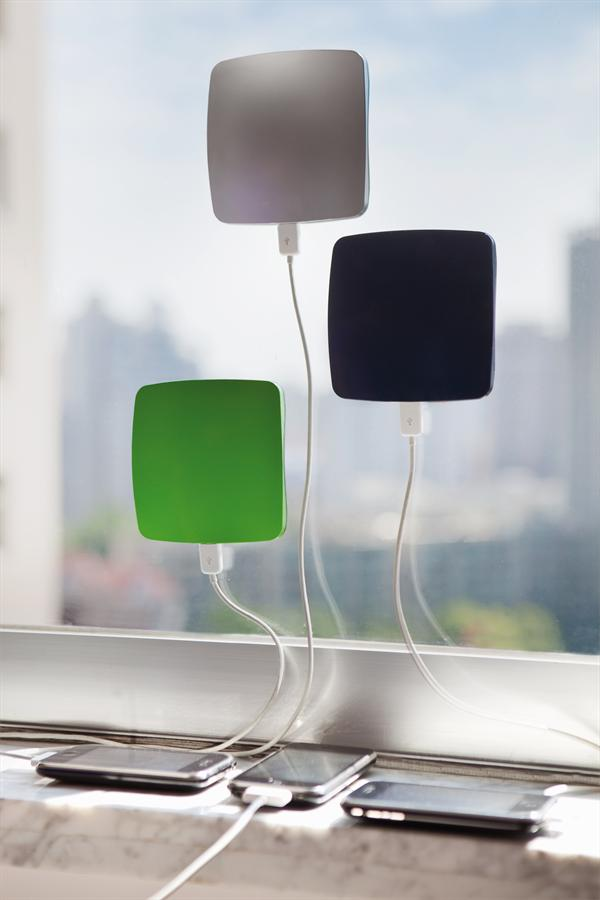 smartphone-solar-window-charger