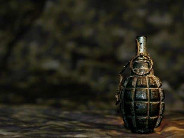 2013-11-Grenade-Military-Wallpaper