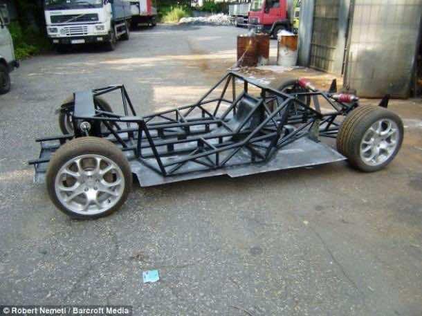 Jacek_Mazur_replica_McLaren_F1 (15)
