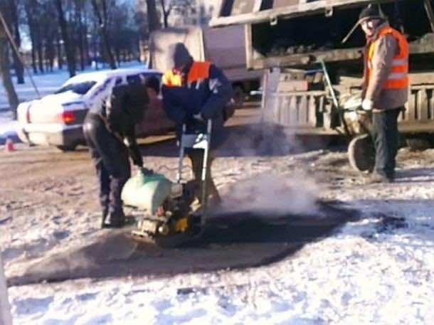 Laying Asphalt on Snow 3