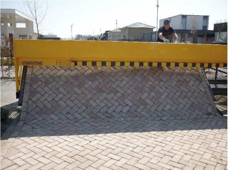 Tiger Stone Paving Machine Makes Brick Roads Like Laying