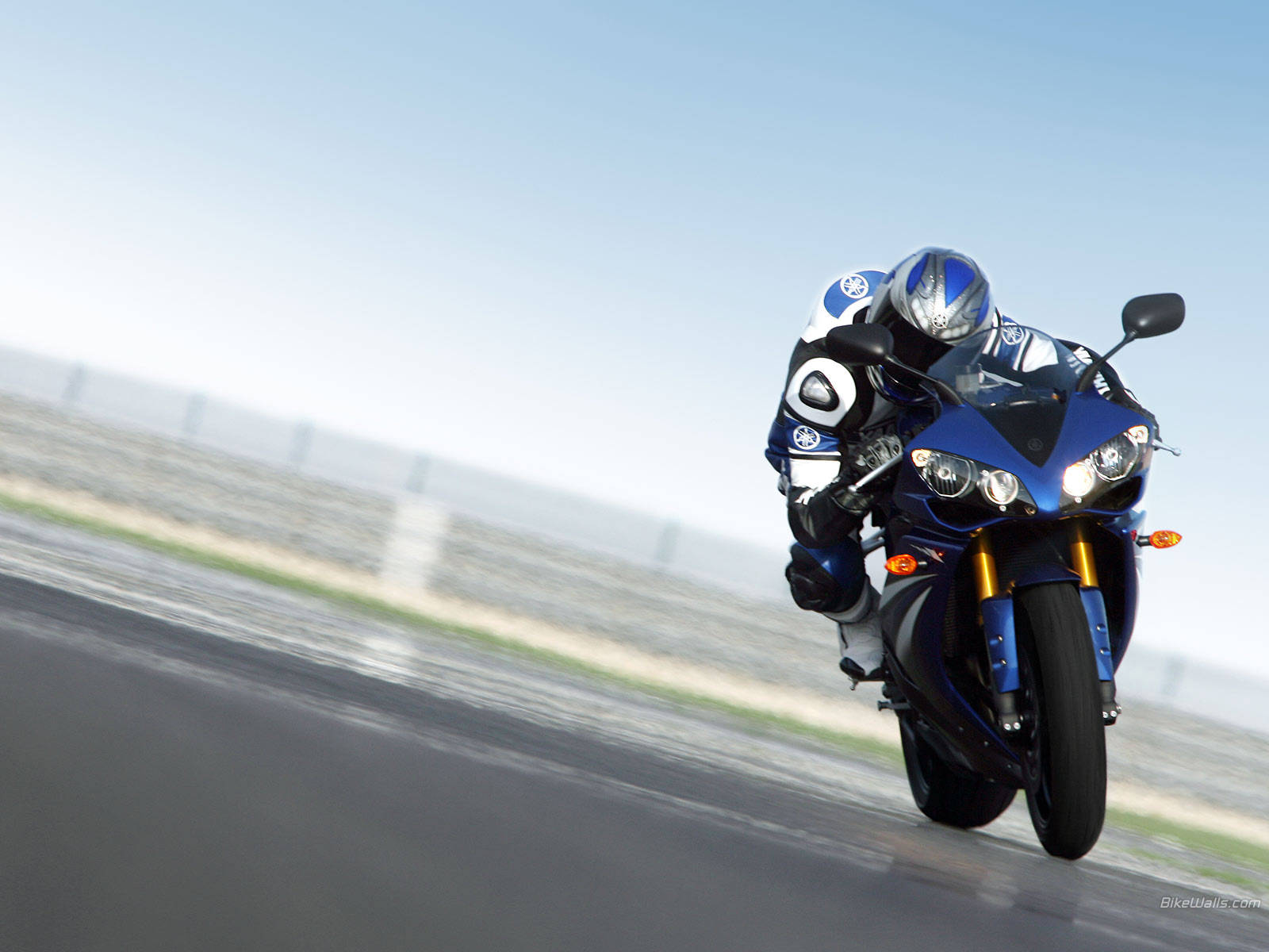 Yamaha r1 wallpaper 1 for Yamaha r1 deals