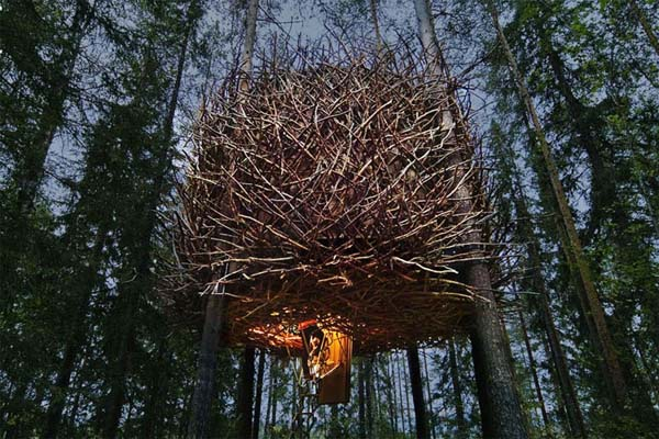 this amazing tree hotel in sweden will blow you away. Black Bedroom Furniture Sets. Home Design Ideas
