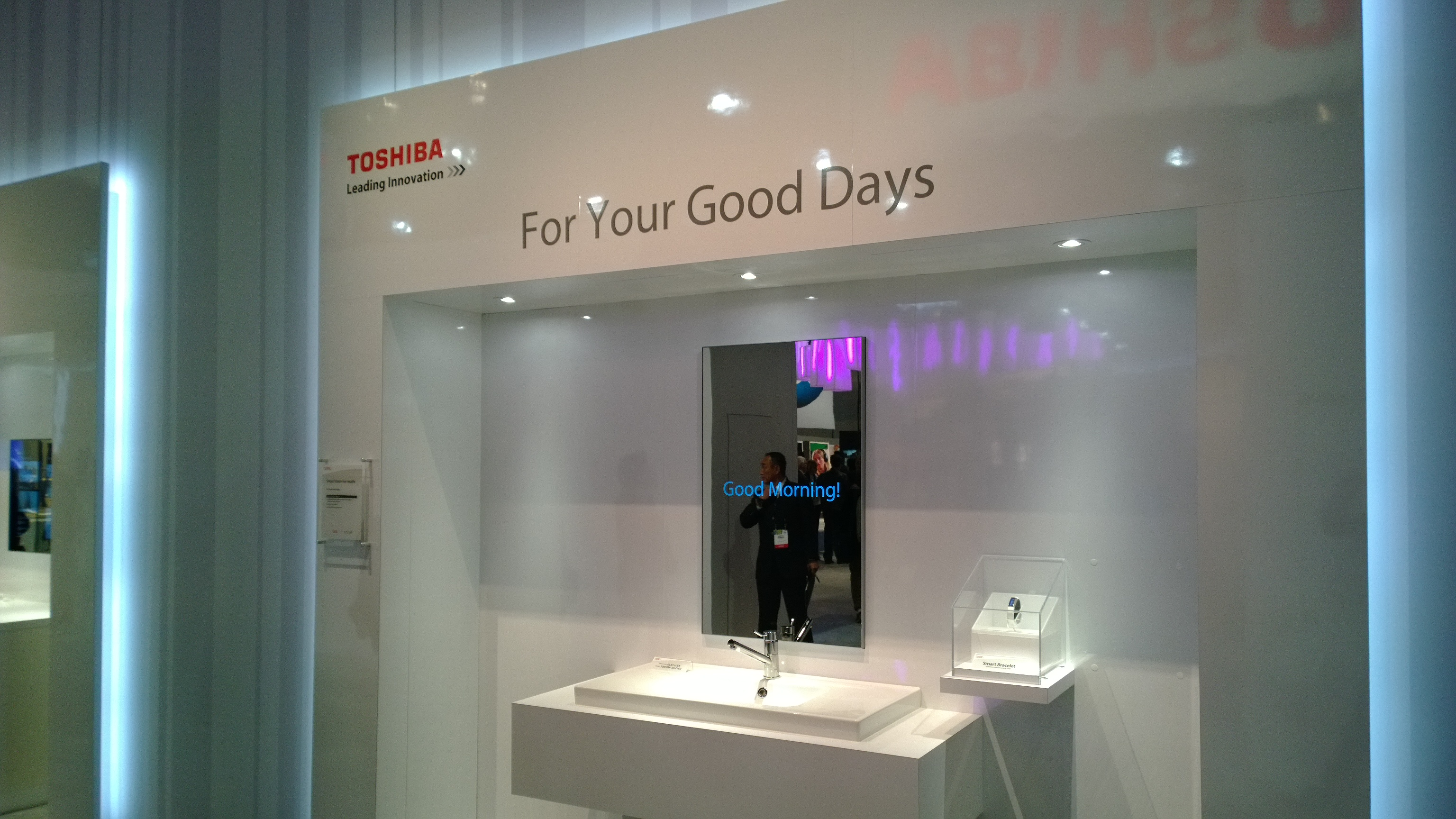 Toshiba Smart Mirror 2
