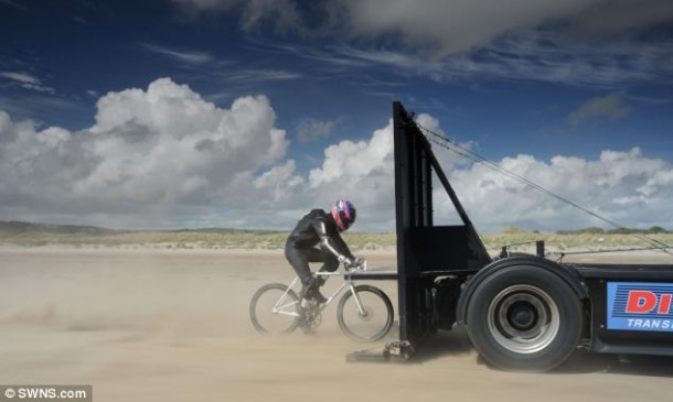 Man Builds World S Fastest Pedal Powered Bicycle That Can