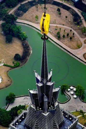 shanghai crane operator 12