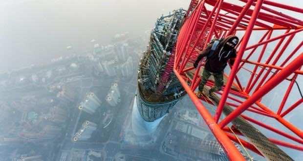 ShanghaiTower-Raskalov-620x330
