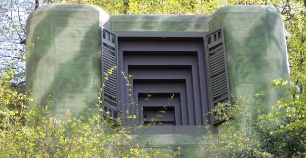 10 secret underground bunkers around the world that will