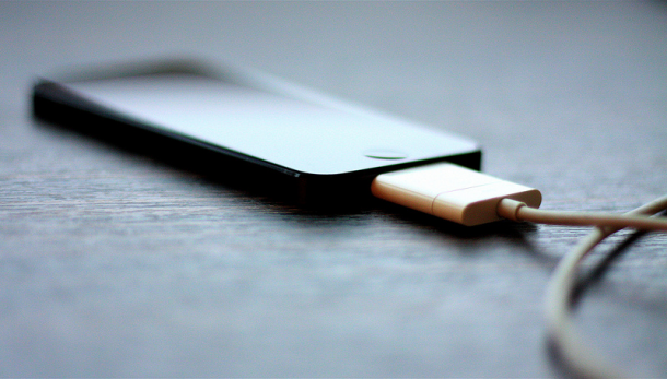 charging-smartphone