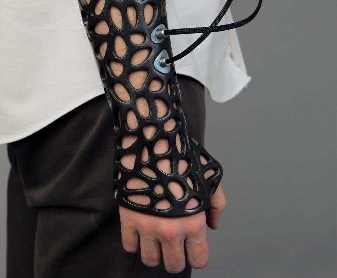3D cast1
