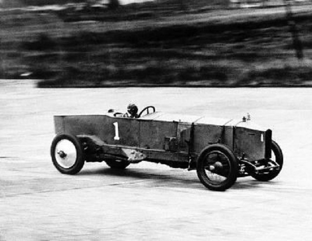 jg-parry-thomas-in-leyland-july-8-1925-brooklands-120-mph-tm