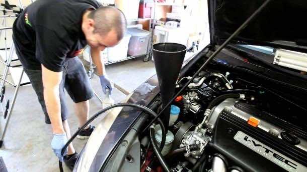 8. Brake fluid & Steering Wheel Fluid2