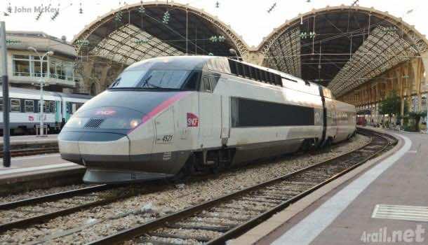 Carmillion colored TGV-Réseau