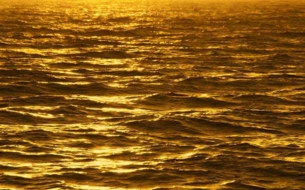 Gold wallpaper 10