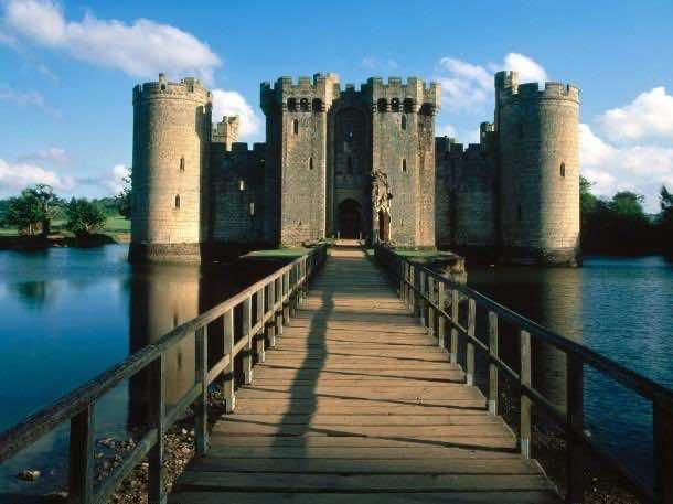 castle wallpaper 3