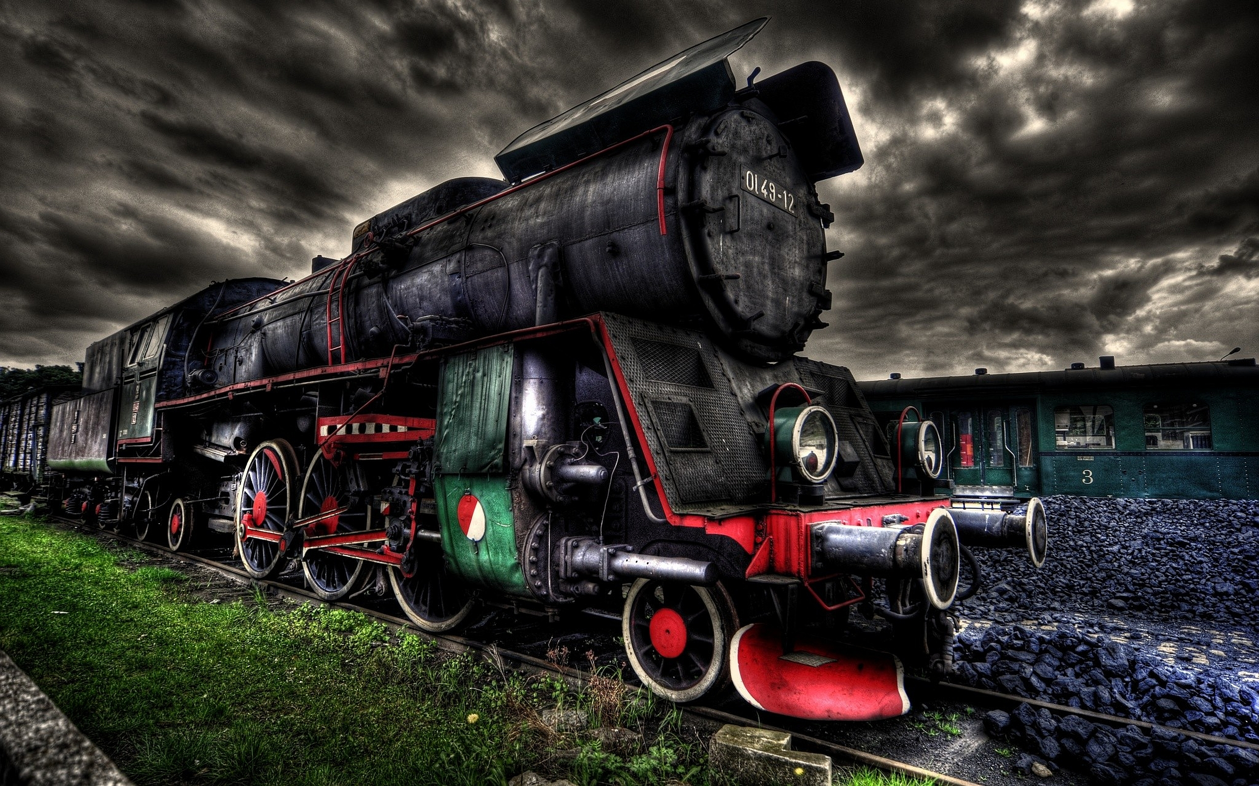 Amazing Train Pictures From Around The World