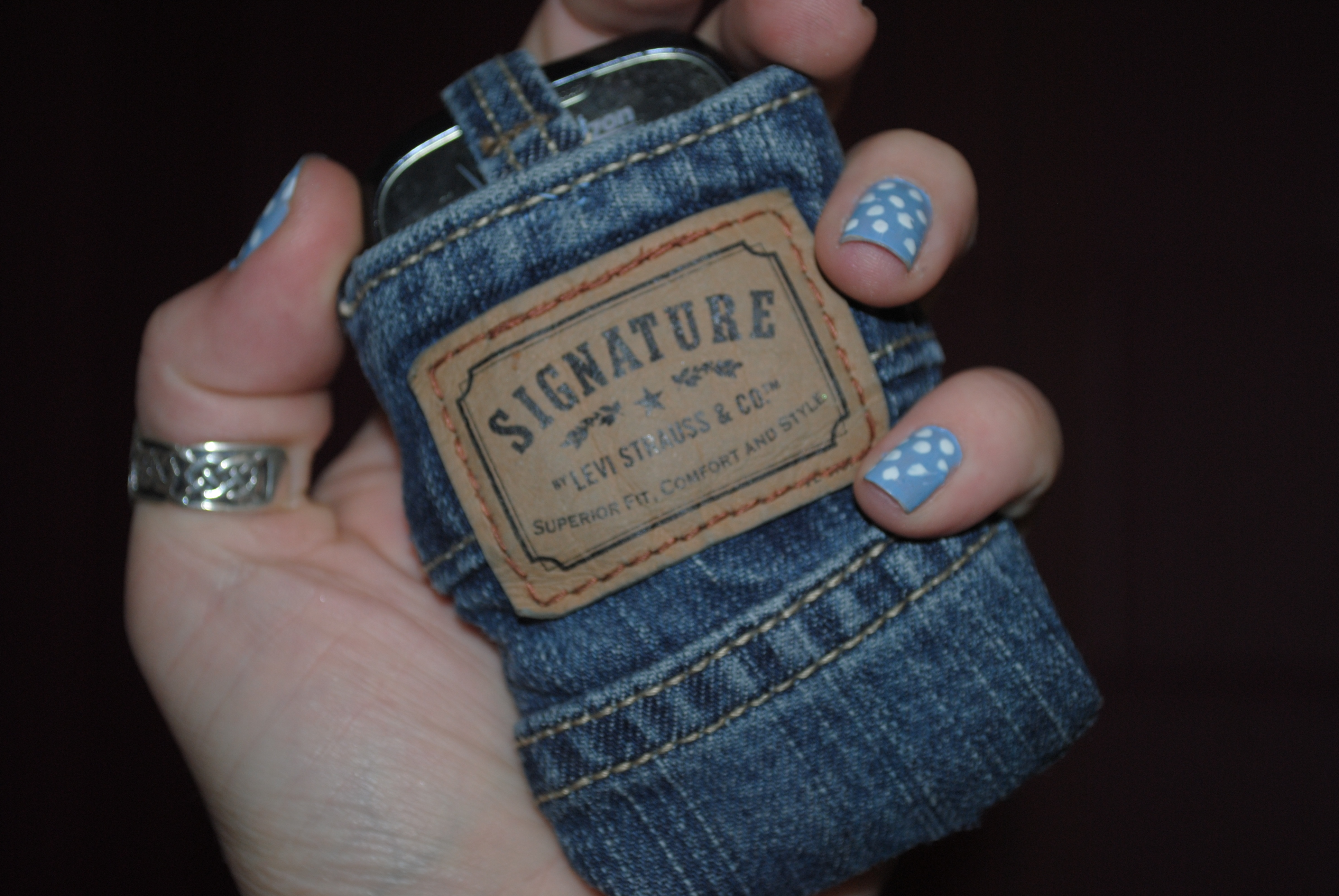 20 smart ways you can re use your old jeans for How to make new things from old things