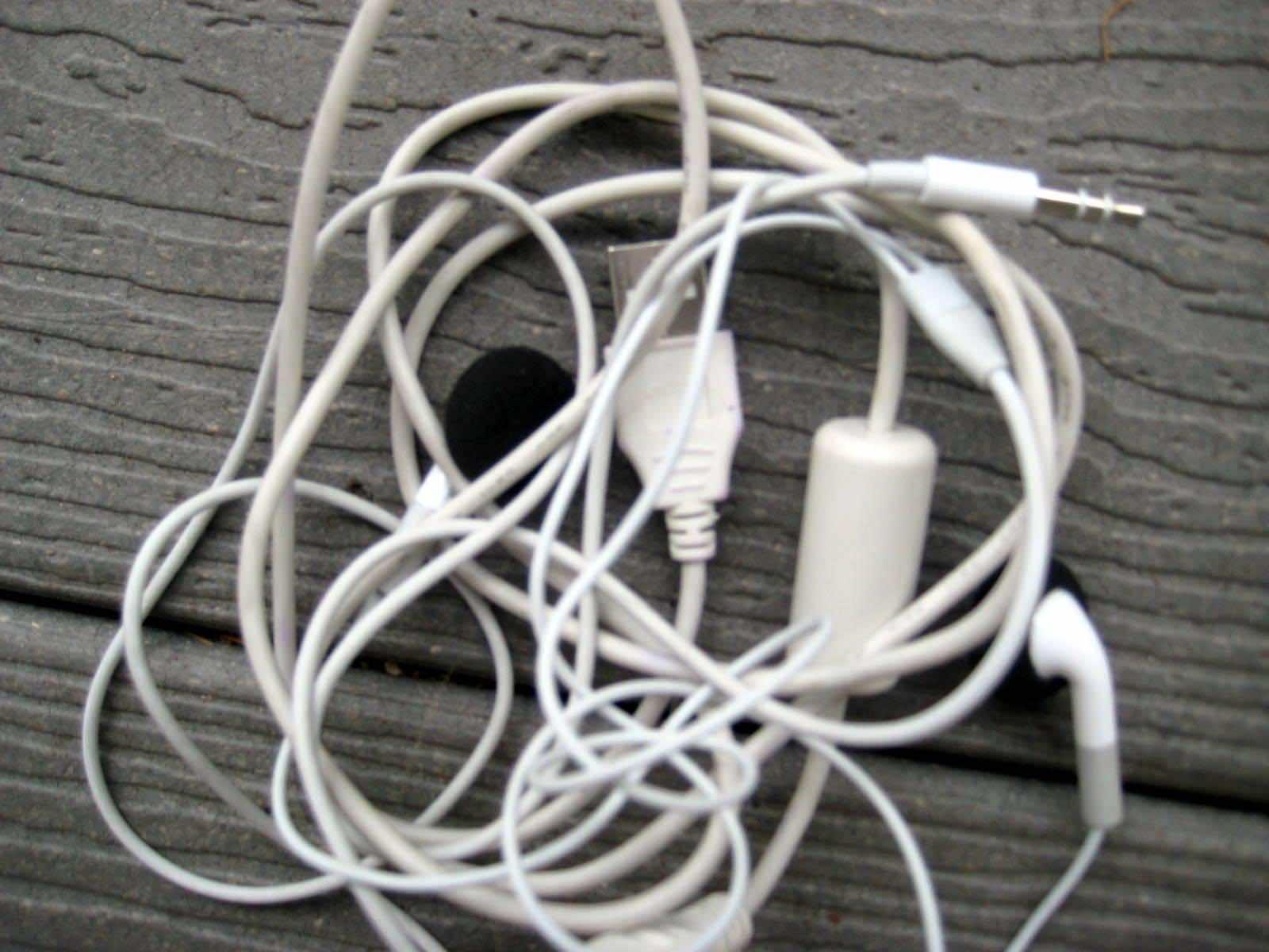 Earphones tangling 4