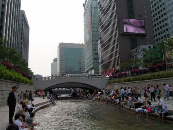 2 Seoul River, South Korea 2011