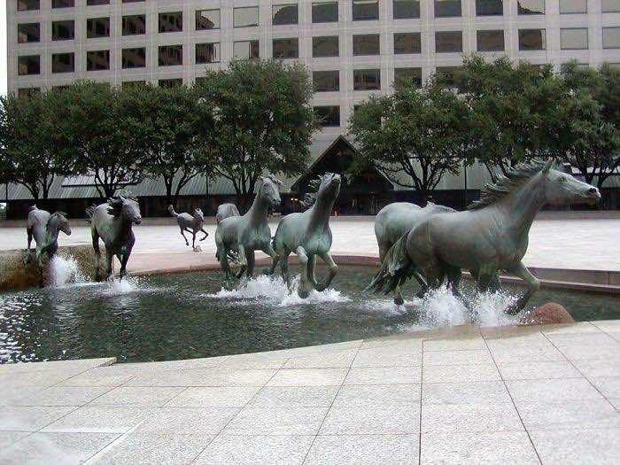 Running Horses-Sculpture