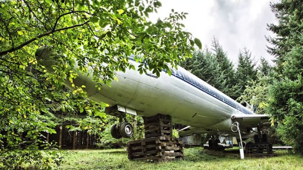 Boeing 727 is this Guy's Home5