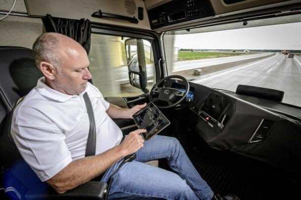 Daimler Future Trucks Autonomous Trucks all Set for 2025 4