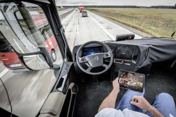 Daimler Future Trucks Autonomous Trucks all Set for 2025 5