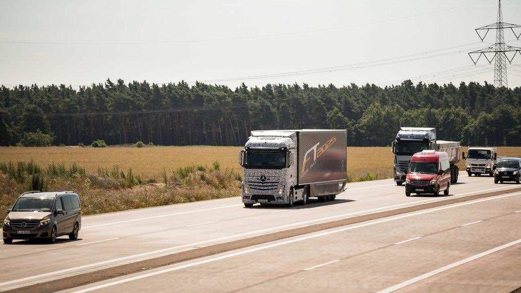 Daimler Future Trucks Autonomous Trucks all Set for 2025 7