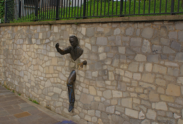 Man in the wall-Sculpture