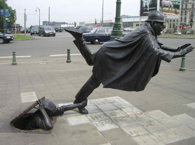 Policeman tripped-Sculpture