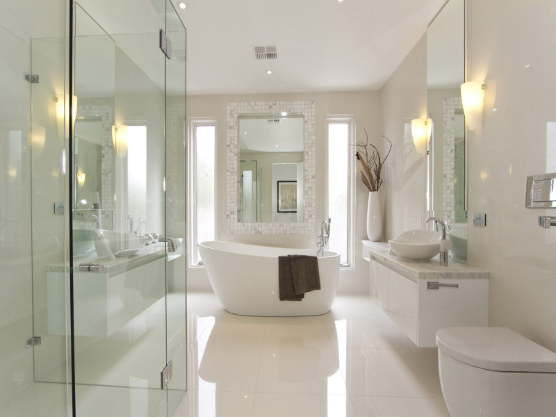 25 bathroom design ideas in pictures for Bathroom designs square room