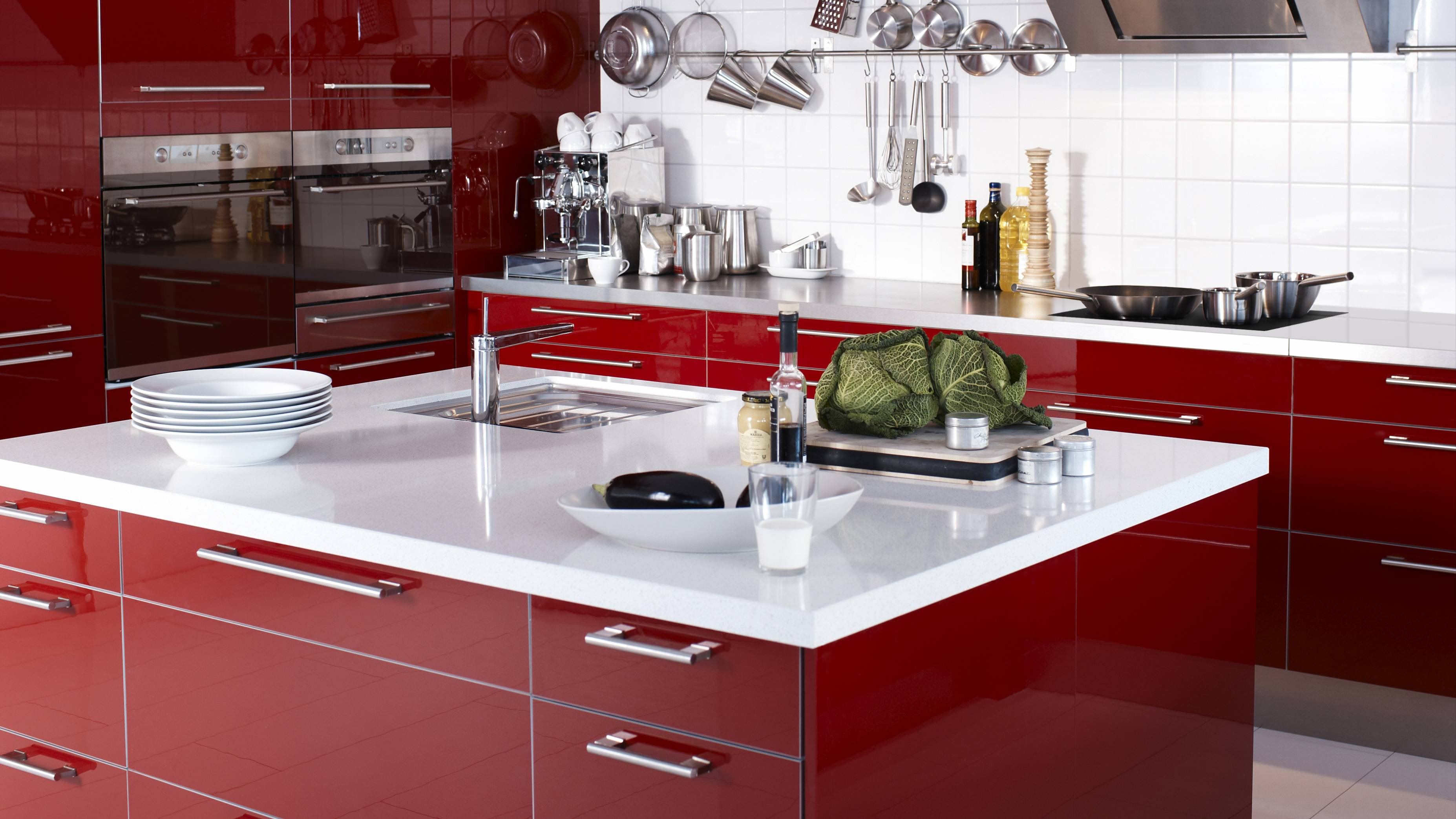Modular kitchen designs red white home design ideas for Kitchen plan layout ideas